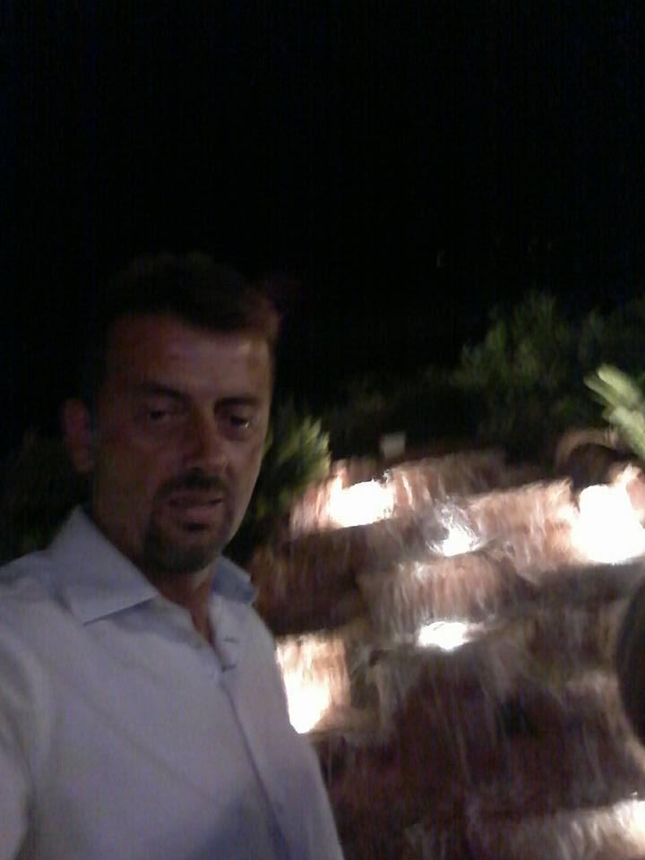 """Ηλεία: Ψηλέ μου """"βιάστηκες"""" να φύγεις... -Θρήνος για τον άτυχο 46χρονο Ανδρέα Θάνο που έχασε χθες το βράδυ ξαφνικά τη ζωή του από ηλεκτροπληξία (Photos)"""