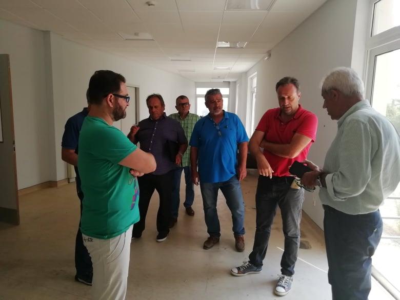 Νοσοκομείο Αμαλιάδας: Αυτοψία από τον Δήμαρχο Ήλιδας Γ. Λυμπέρη και τον δωρητή Α. Παπαδάκο για τον χώρο του αξονικού τομογράφου (Photos)
