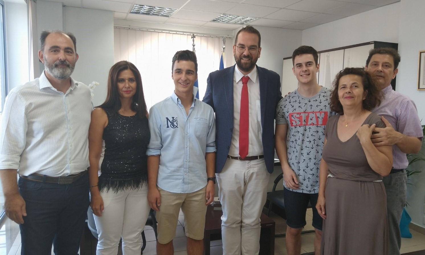 Περιφέρεια Δυτ. Ελλάδας: Δύο ακόμα αριστούχοι επιτυχόντες στο γραφείο του Νεκτάριου Φαρμάκη (photo)