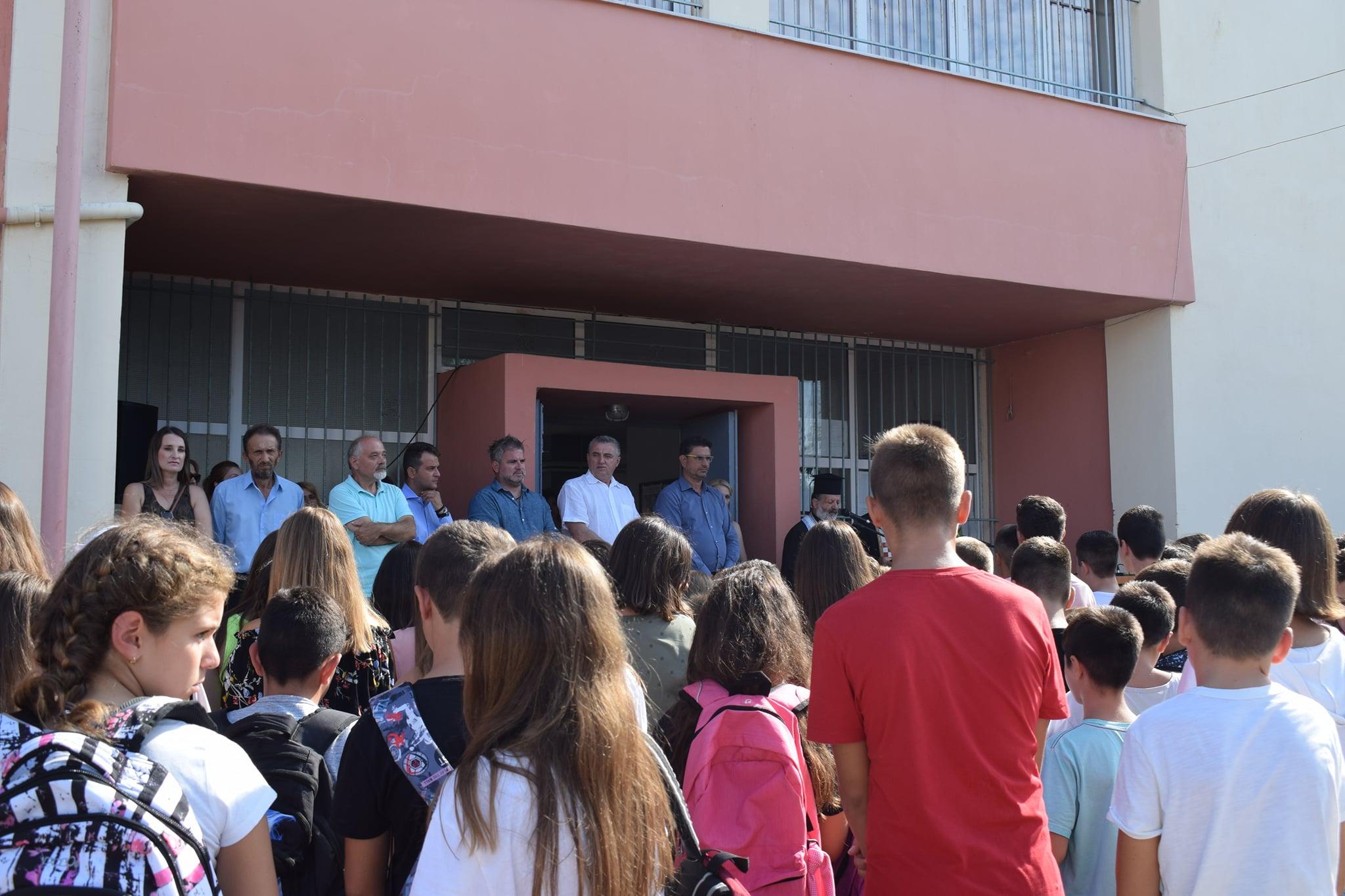 Δήμος Ανδραβίδας-Κυλλήνης: Στον αγιασμό των σχολείων ο Δήμαρχος Γιάννης Λέντζας (photos)
