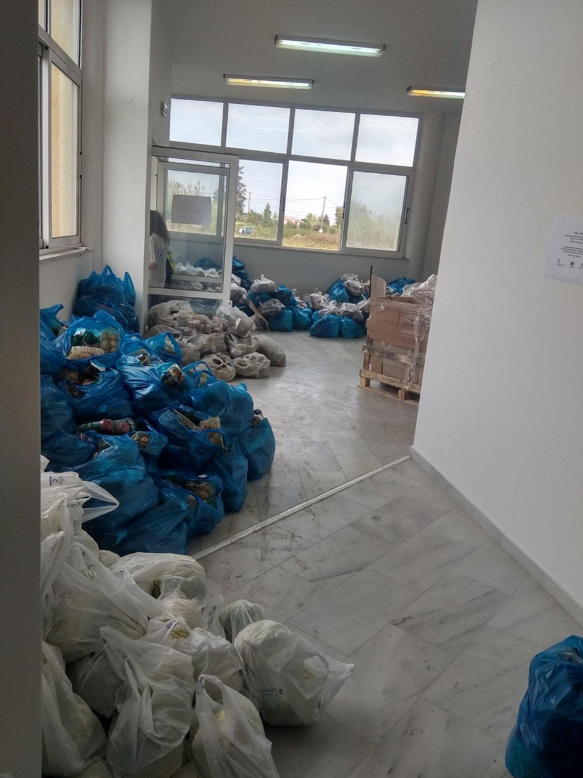 Δήμος Ανδραβίδας-Κυλλήνης: Παρουσία του Δημάρχου Γ. Λέντζα πραγματοποιήθηκε η διανομή τροφίμων σε δικαιούχους ΤΕΒΑ (photos)Α