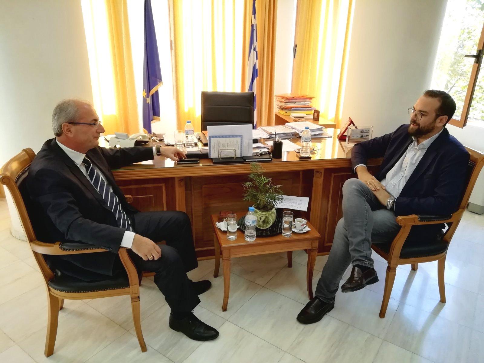 ΠΔΕ: Ο Νεκτάριος Φαρμάκης στους Δήμους Αγρινίου και Θέρμου