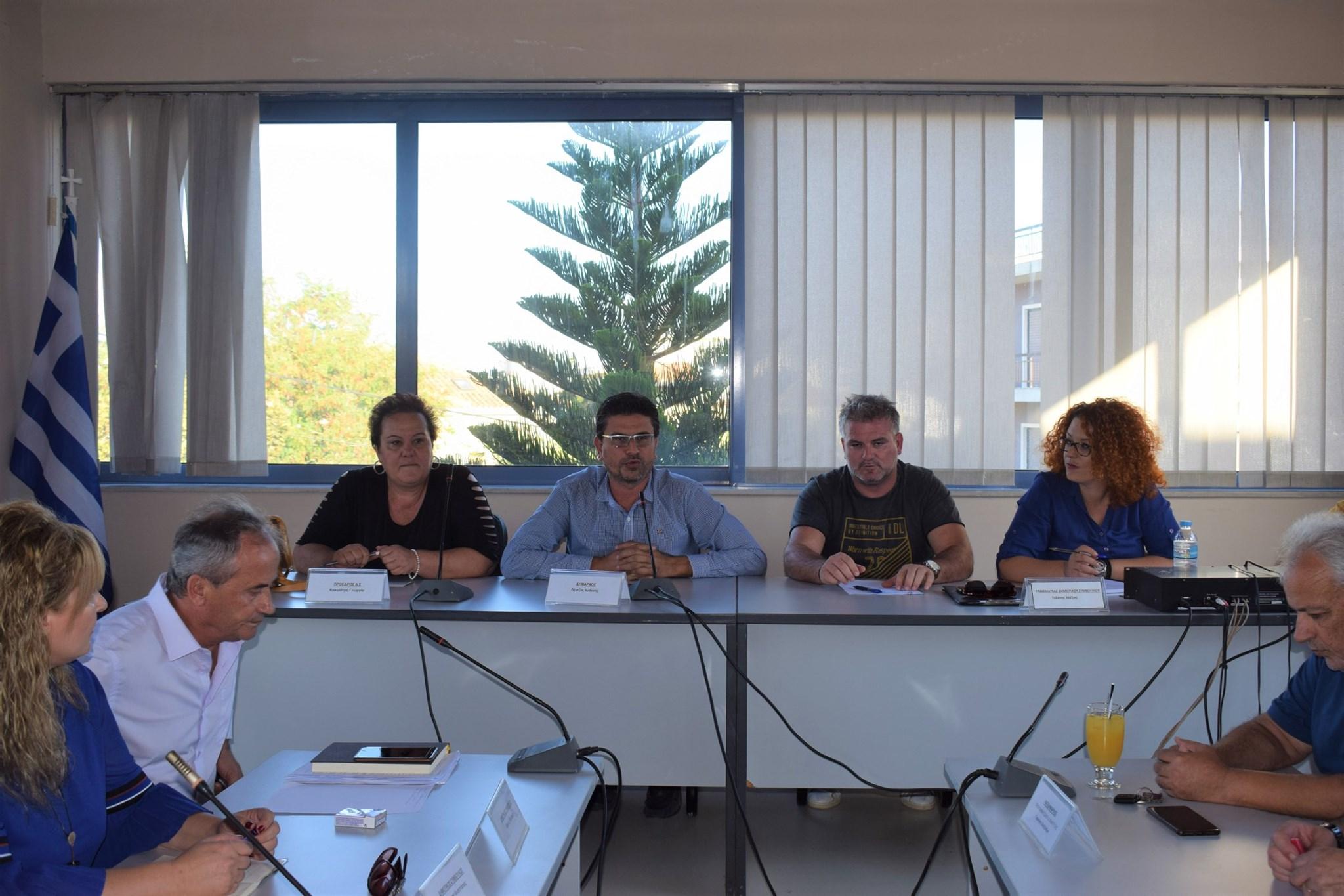 Συνάντηση Λέντζα με τους Προέδρους των Κοινοτήτων - Σε αγαστή συνεργασία Δημοτική Αρχή και Κοινότητες του Δήμου Ανδραβίδας-Κυλλήνης (Photos)
