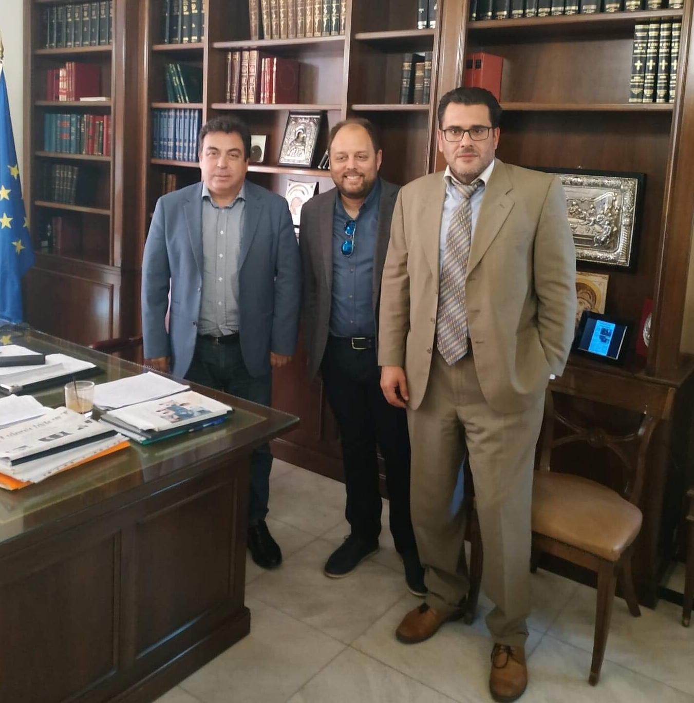 Δήμος Πύργου: Συνάντηση του Δημάρχου Τάκη Αντωνακόπουλου με τον Σύλλογο Σχολικών Καθαριστριών Δήμου Πύργου