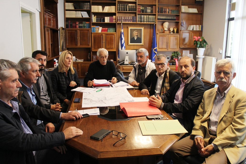 Γιάννης Λυμπέρης: Η Τριανταφυλλιά, τυπικά, περιβαλλοντικά και ηθικά, ανήκει στο Δήμο Ήλιδας» - «Πρόχειρο και επιπόλαιο, αυτό που προσπαθεί να πετύχει ο κ. Αντωνακόπουλος, ενόψει της εκλογικής διαδικασίας στο ΦοΔΣΑ» δήλωσε ο Δήμαρχος Ήλιδας