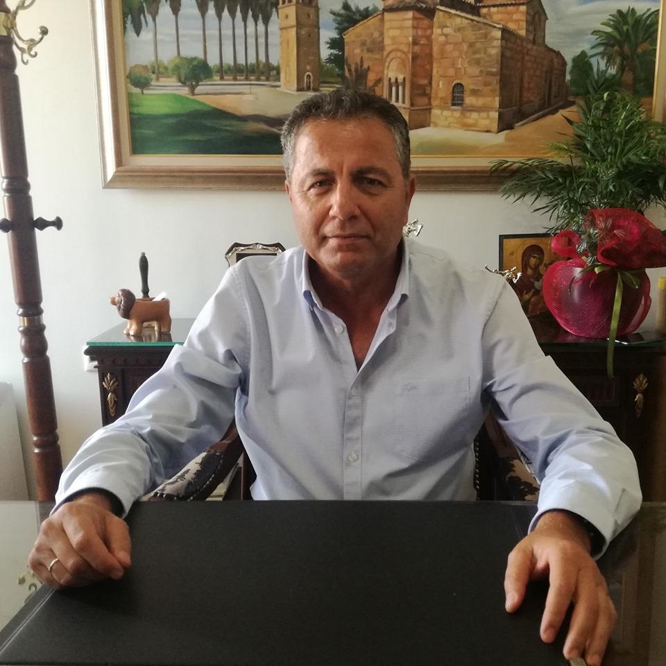 """Δήμος Πηνειού: Διέρρηξαν το δημαρχείο Γαστούνης και """"βούτηξαν"""" μικρό χρηματικό ποσό- Ανδρέας Μαρίνος: """"Εμείς συνεχίζουμε! Όλα στο φως! (photos)"""