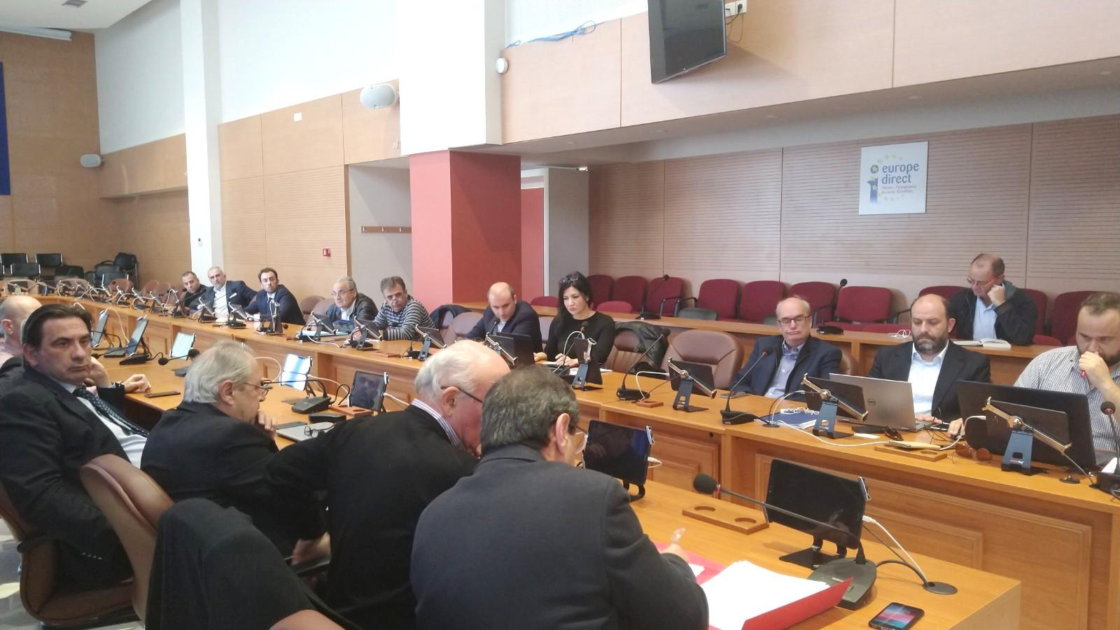 ΠΔΕ: Σύσκεψη στην Περιφέρεια για το φυσικό αέριο- Ρητές διαβεβαιώσεις τήρησης των χρονοδιαγραμμάτων ζήτησε από ΔΕΔΑ και ΔΕΣΦΑ ζήτησε ο Ν. Φαρμάκης ώστε να φθάσει το καύσιμο σε Πάτρα, Πύργο και Αγρίνιο έως το τέλος του 2021
