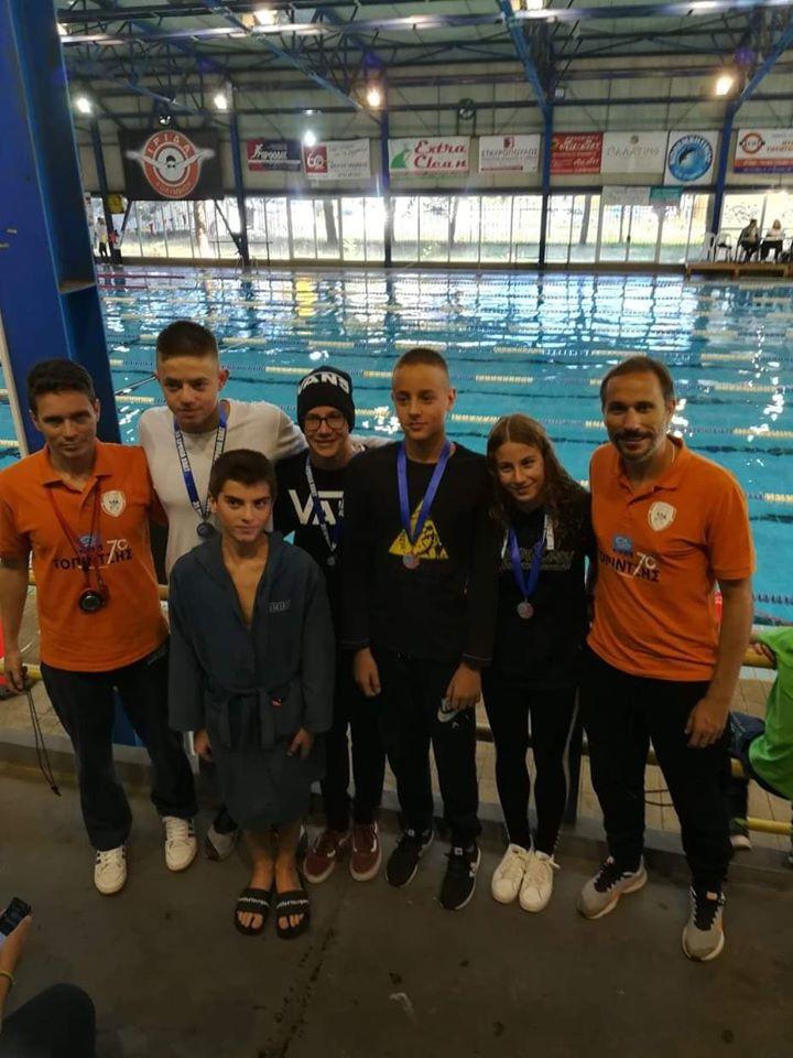 Επειός Ήλιδας: Εντυπωσιακή ξεκίνημα της σεζόν από τους κολυμβητές του συλλόγου - Δεκατέσσερις προκρίσεις στους Πανελλήνιους και έξι μετάλλια στην Τρίπολη!
