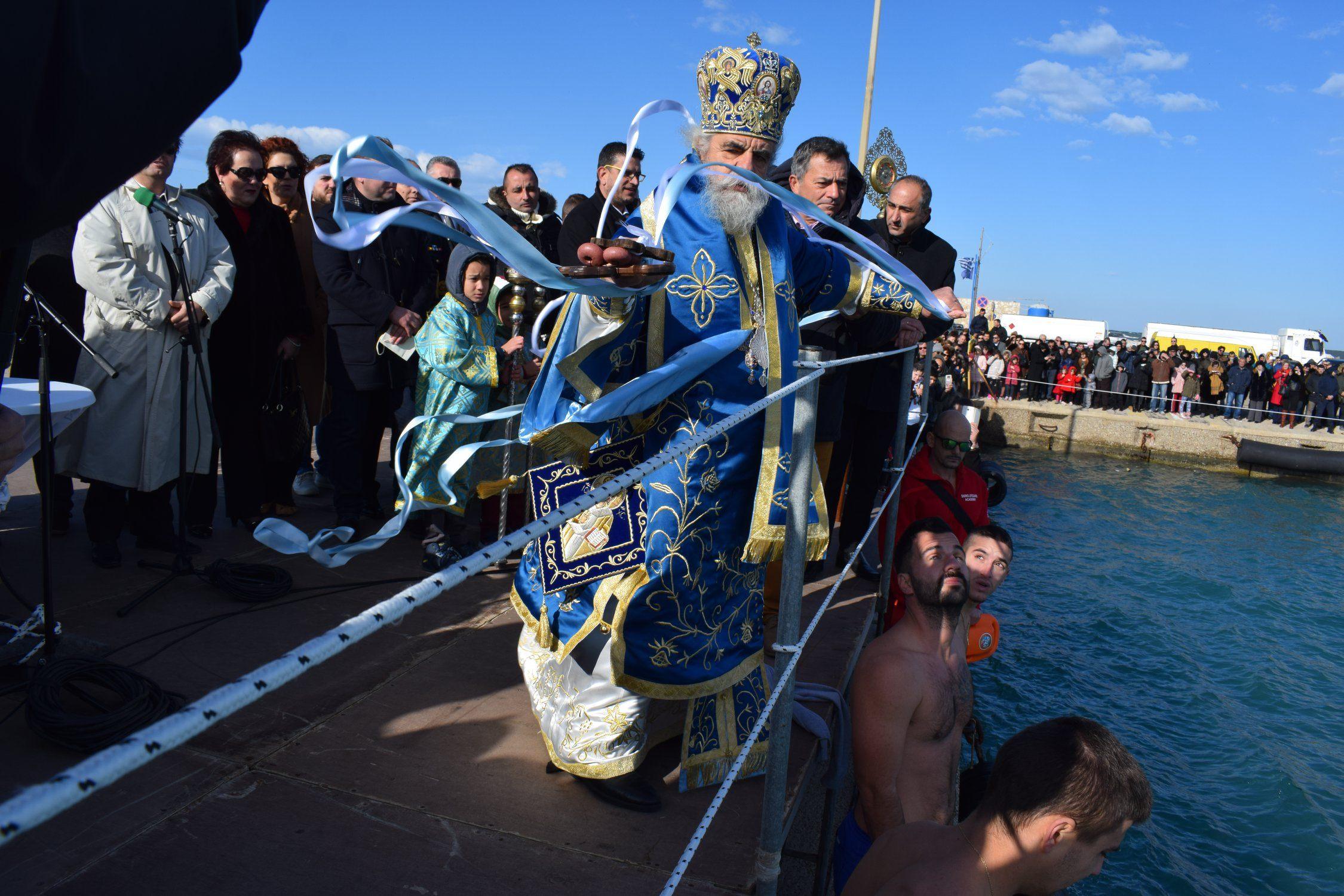 Κυλλήνη: Με επισημότητα και Θρησκευτική κατάνυξη εορτάστηκαν τα Άγια Θεοφάνεια 2020 στο λιμάνι της Κυλλήνης (Photos)