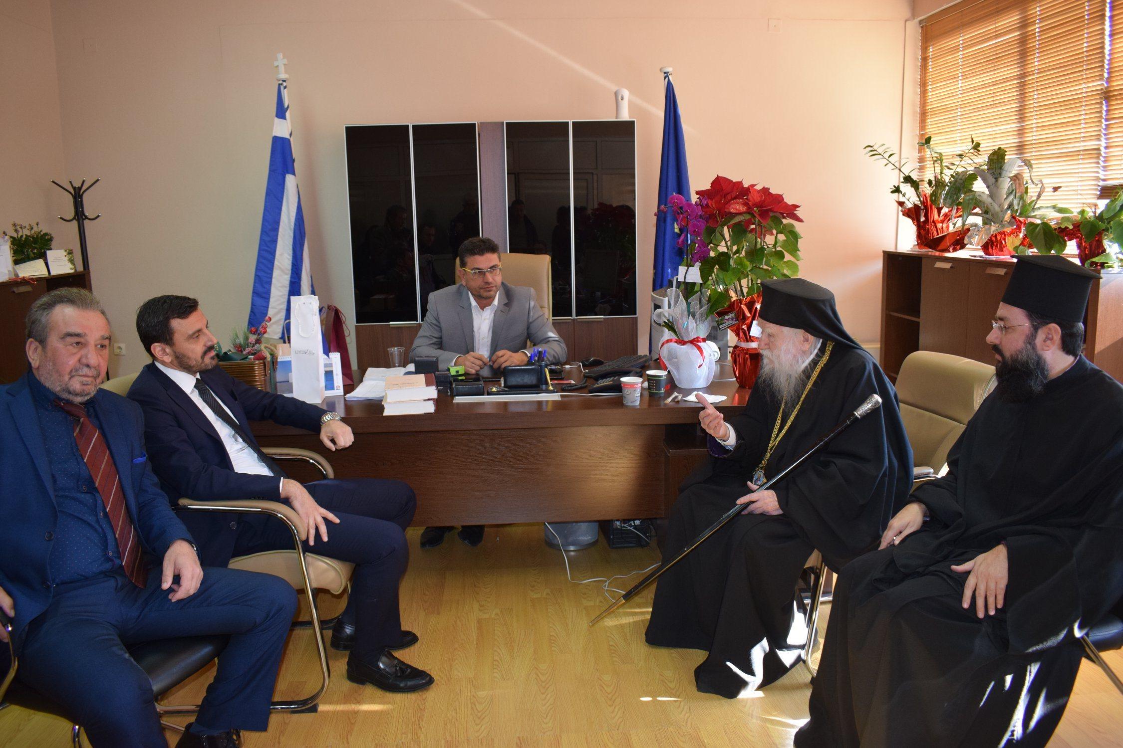 Δήμος Ανδραβίδας-Κυλλήνης: Πολιτικοί και Αυτοδιοικητικοί αλλά και πολίτες ευχήθηκαν στον Δήμαρχο Γιάννη Λέντζα για την ονομαστική του εορτή (photos)