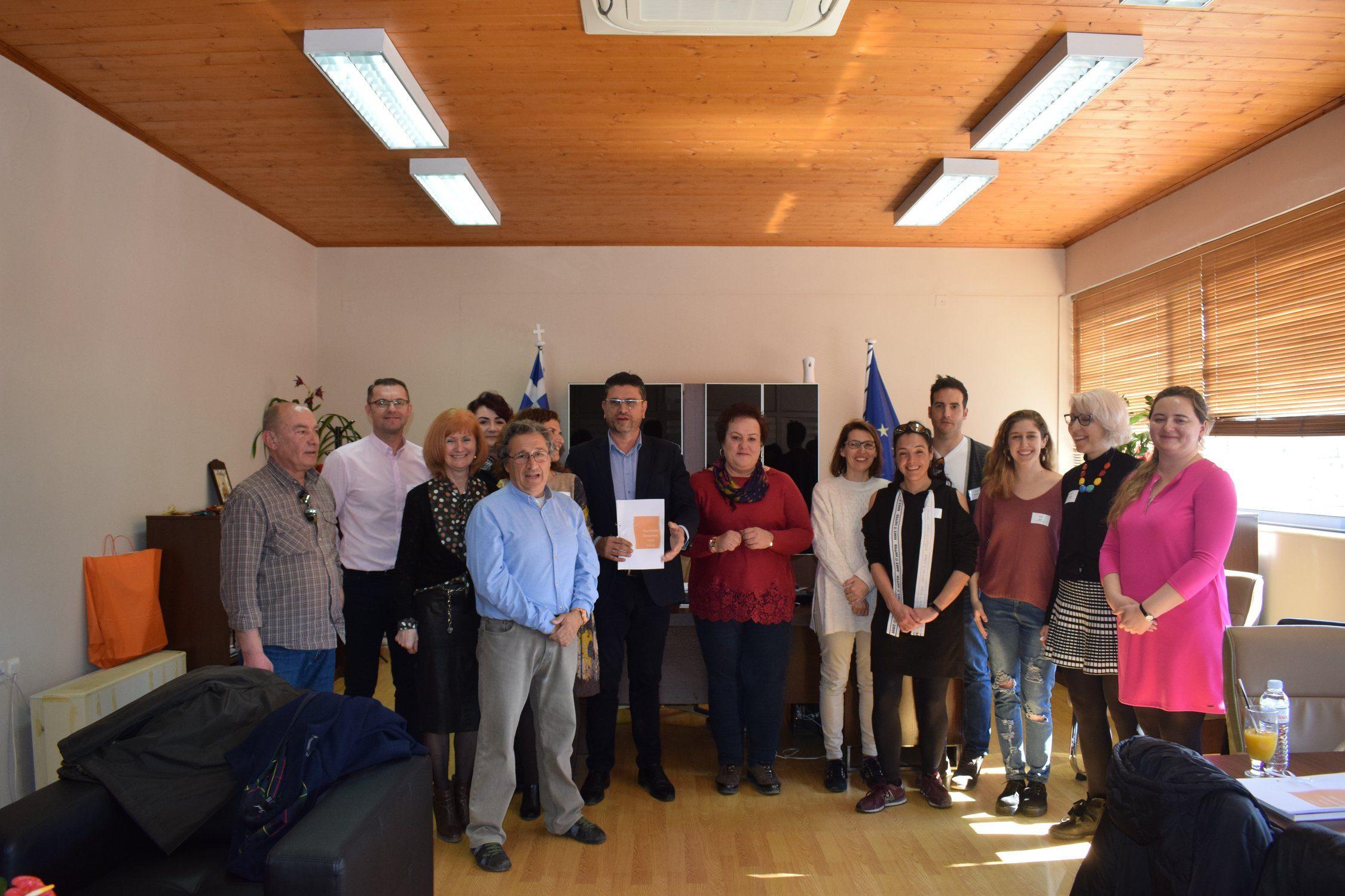 Δήμος Ανδραβίδας – Κυλλήνης: Επίσκεψη στον Δήμαρχο Γιάννη Λέντζα από καθηγητές του προγράμματος Erasmus+ (photos)