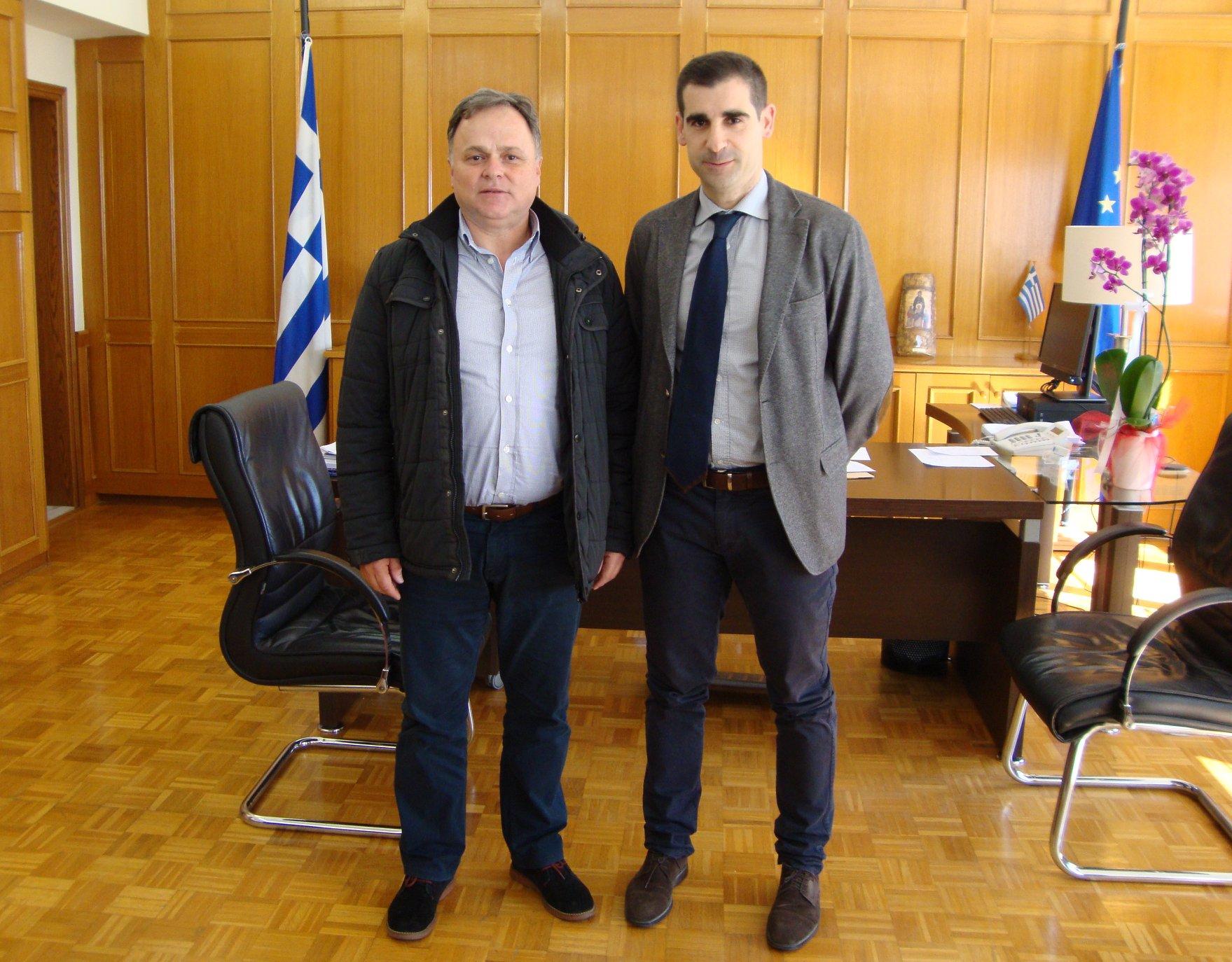 ΠΕ Ηλείας: Επίσκεψη του απερχόμενου Διοικητή της Πυροσβεστικής Υπηρεσίας Πύργου, Δημήτρη Αντωνάκη, στον Αντιπεριφερειάχη Βασίλη Γιαννόπουλο