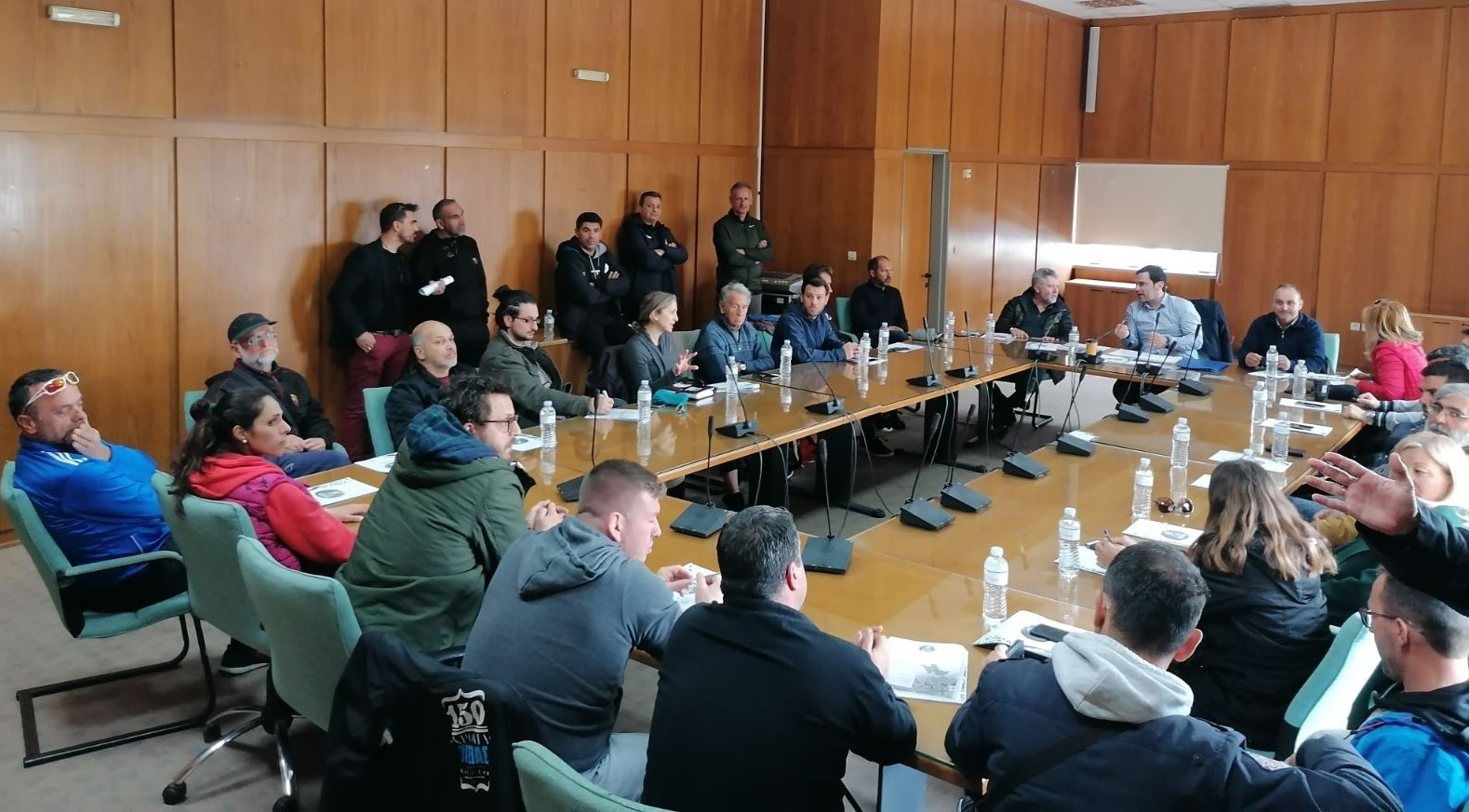 ΠΔΕ: Σύσκεψη στον Πύργο του βοηθού Περιφερειάρχη με αρμοδιότητες Αθλητισμού- Ολυμπισμού Δημήτρη Νικολακόπουλου με αθλητικούς φορείς και Σωματεία ενόψει των πολιτιστικών και αθλητικών εκδηλώσεων της Αφής Ολυμπιακής φλόγας