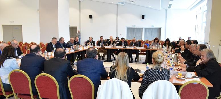 O κ. Λεωνίδας Βαρουξής στο νέο Διοικητικό Συμβούλιο της Ένωσης Λιμένων Ελλάδας (Ε.ΛΙΜ.Ε.) ως επίτιμος πρόεδρος του Δ.Λ.Τ. Πύργου (Κατακόλου)