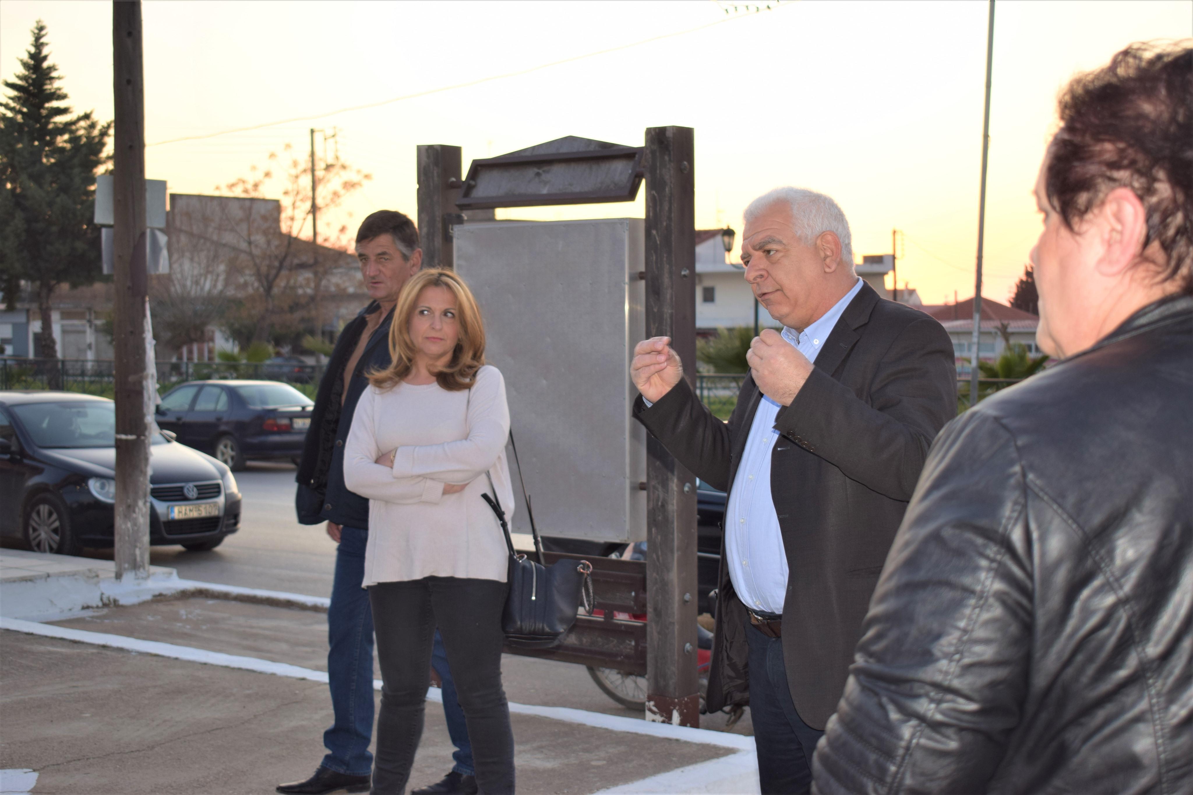 Δήμος Ανδραβίδας-Κυλλήνης και Ιατρικός Σύλλογος Αμαλιάδας: Μπαράζ ενημέρωσης σε πρόσφυγες και εργάτες γης κατά της διασποράς του Κορωνοϊού (Photos)