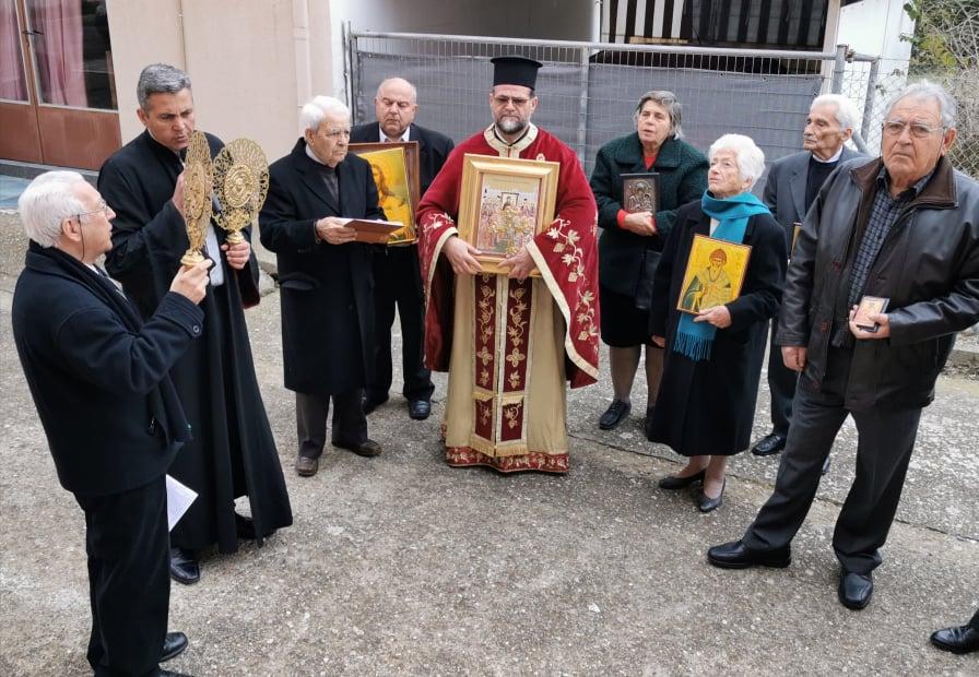 Πύργος: Υποτονική η εορτή της Αναστηλώσης των Ιερών Εικόνων, λόγω κορονοϊού στον Ι. Ν. Αγ. Σπυρίδωνος Πύργου - Παρόμοιες εικόνες σε όλες τις εκκλησίες της πόλης (Photos)