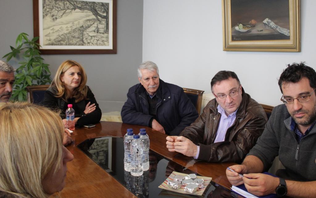 Δήμος Ήλιδας: Συνάντηση Γ. Λυμπέρη με το κλιμάκιο του ΕΟΔΥ που βρέθηκε στην πόλη- «Αιχμή του δόρατος» το Νοσοκομείο Αμαλιάδας για την αντιμετώπιση της υφιστάμενης κατάστασης