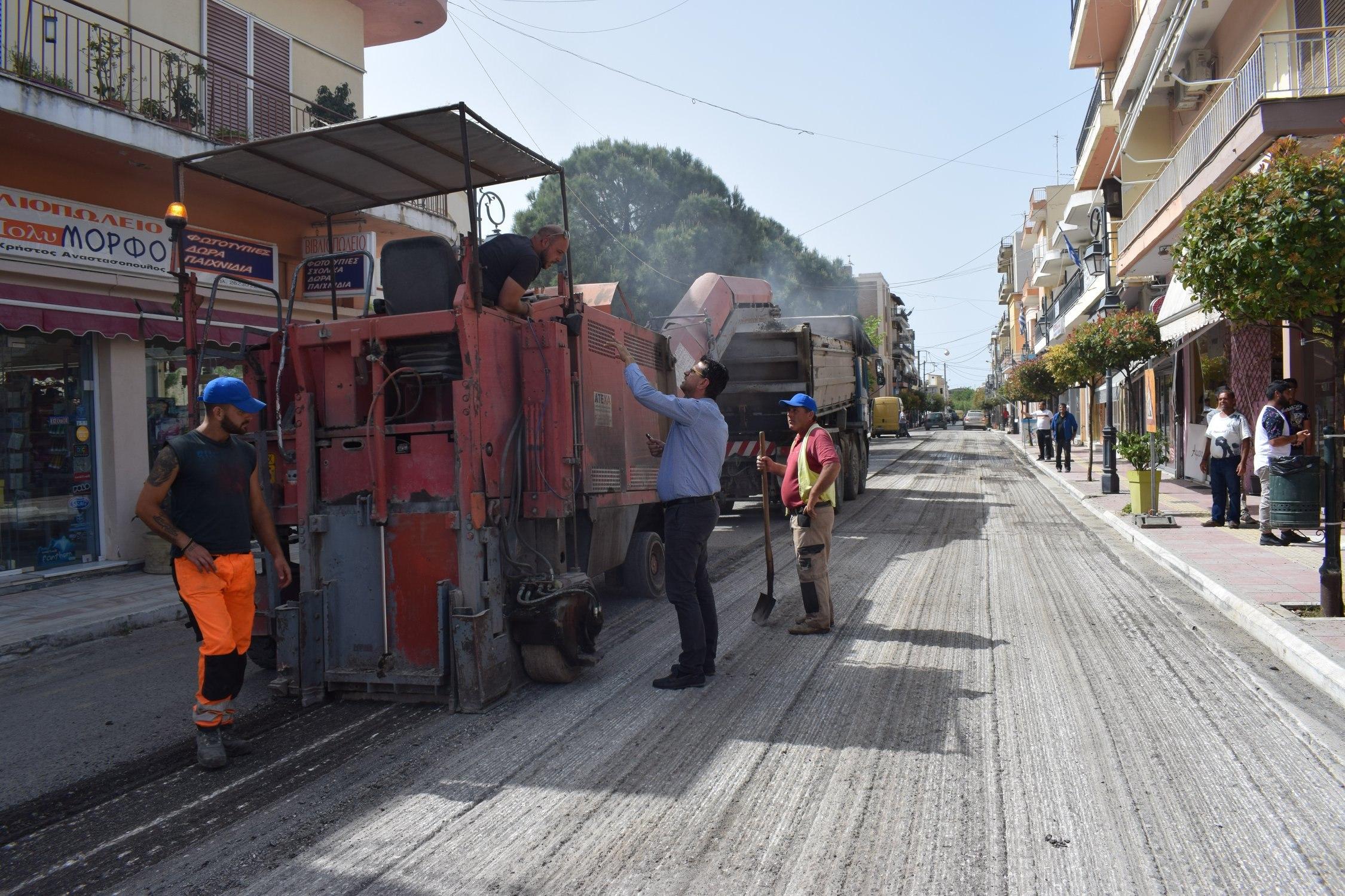 Δήμος Ανδραβίδας-Κυλλήνης: Συνεχίζονται τα έργα ασφαλτόστρωσης και ανακατασκευής του οδικού δικτύου (photos)