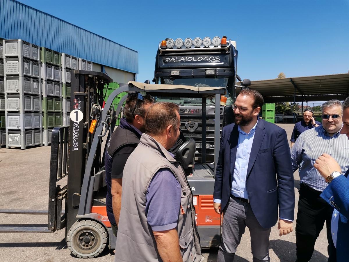 ΠΔΕ: Επίσκεψη του Περιφερειάρχη, Ν. Φαρμάκη, σε παραγωγικές μονάδες τυποποίησης αγροτικών προϊόντων (Photos)