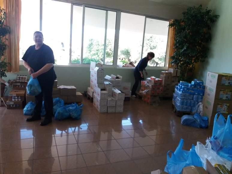 Δημοτική Κοινωφελής Επιχείριση Δήμου Ήλιδας: Β΄Διανομή τροφίμων σε ευπαθείς ομάδες πληθυσμού και οικισμούς Ρομά (photos)