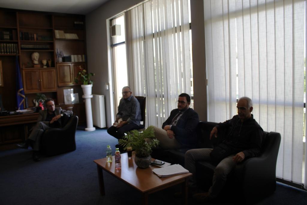 Δήμος Ήλιδας: Σύσκεψη για το Νοσοκομείο Αμαλιάδας και σκληρή επίθεση Λυμπέρη - «Το παιχνίδι «κάποιων» στον Πύργο τελείωσε» δηλώνει ο Γιάννης Λυμπέρη (photos)