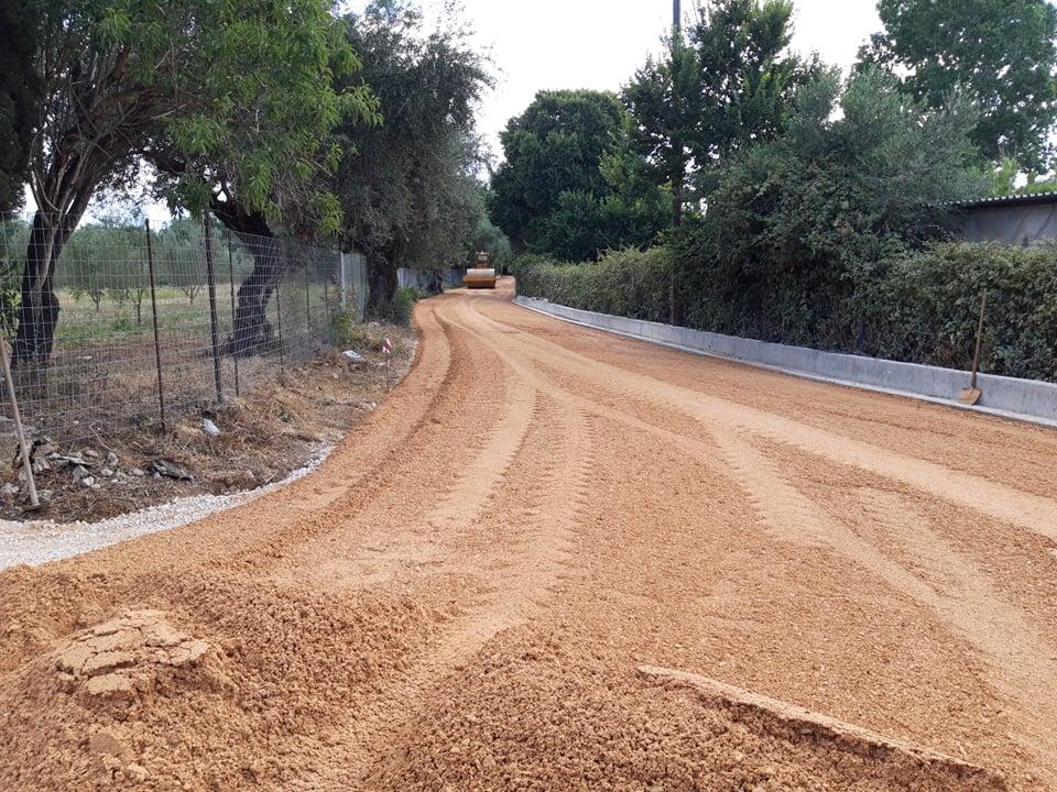 Δήμος Ήλιδας: Παρεμβάσεις ουσίας με ασφαλτοστρώσεις σε δρόμους της Αμαλιάδας και της Πηνείας