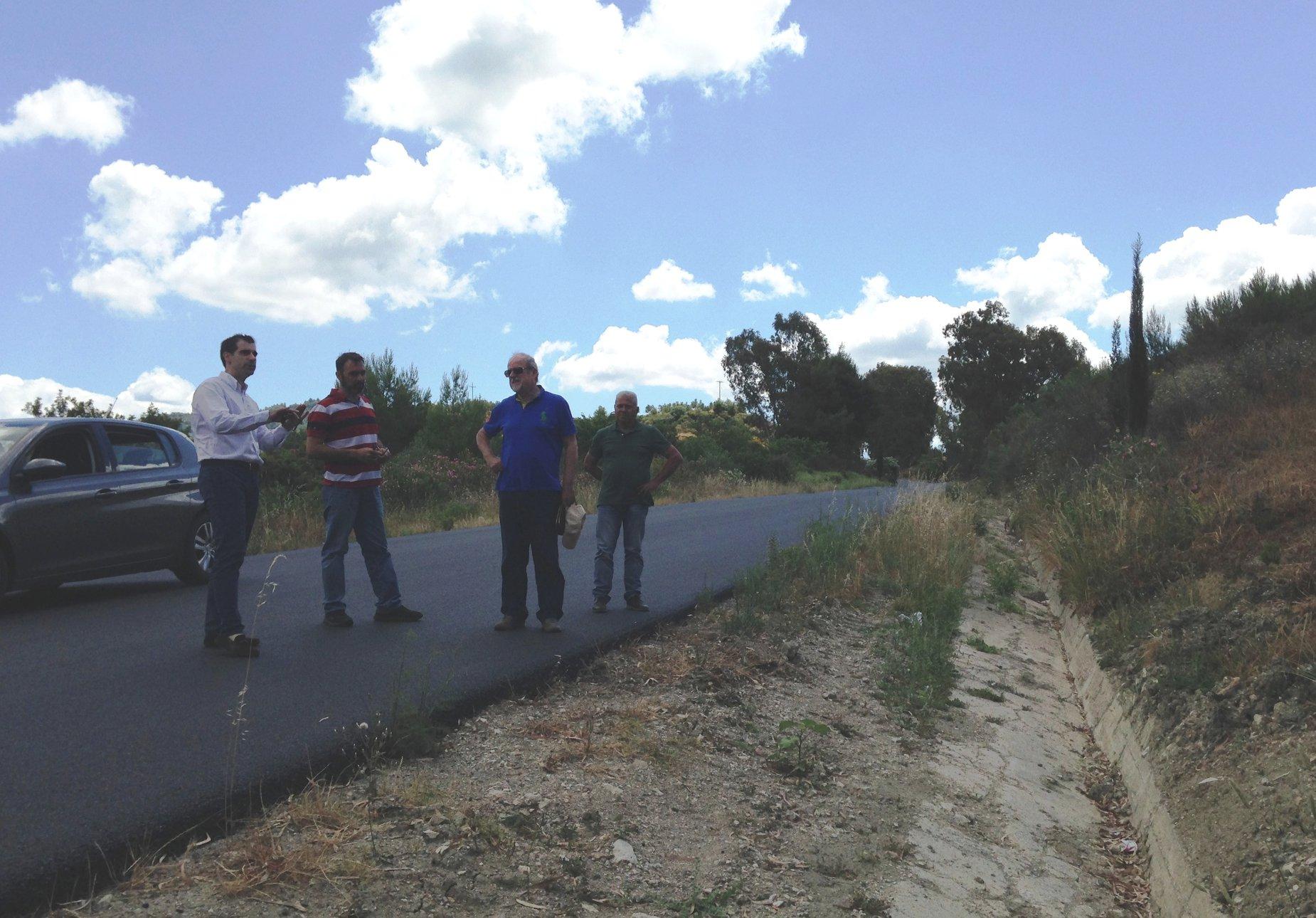 Αυτοψία Αντιπεριφερειάρχη Π.Ε Ηλείας Β. Γιαννόπουλου, σε έργο συντήρησης οδοποιίας στο επαρχιακό οδικό δίκτυο (photos)