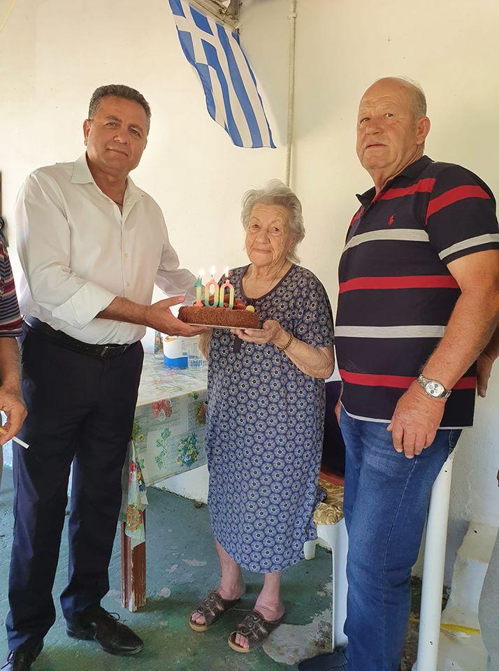 Δήμος Πηνειού: Ο Δήμαρχος Α. Μαρίνος επισκέφθηκε την 100 ετών κ. Νικολέτα Διαμαντοπούλου στο Καρδιακαύτι!