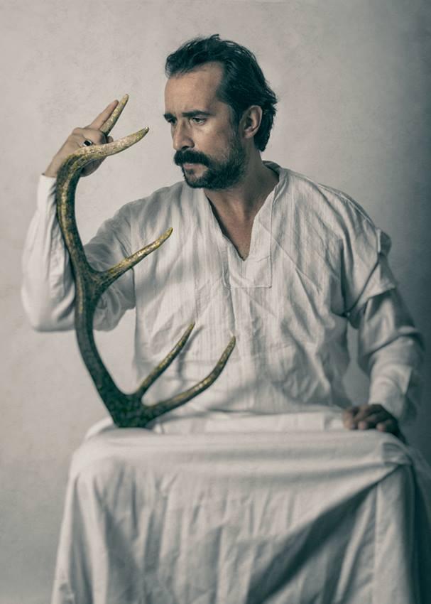 Διεθνές Φεστιβάλ Τεχνών Αρχαίας Ολυμπίας  «Ριχάρδος Β' - Το Ρέκβιεμ ενός Βασιλιά» την Κυριακή στο θέατρο Φλόκα -Καθηλωτική η ερμηνεία του Τάσου Νούσια