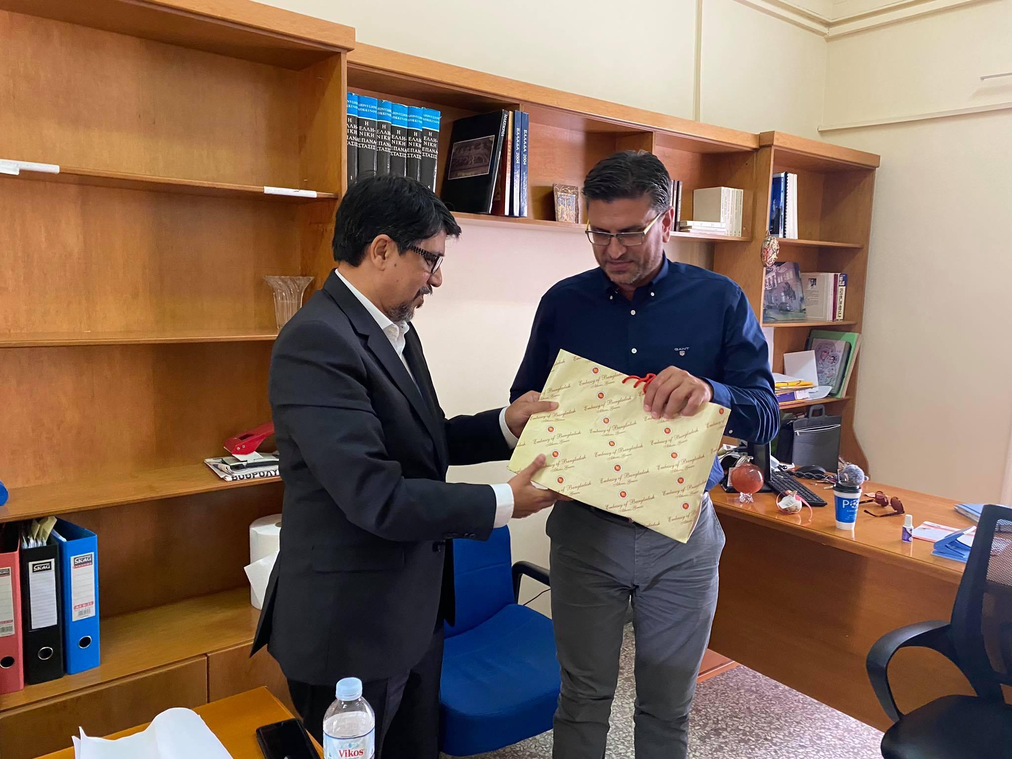 Δήμος Ανδραβίδας-Κυλλήνης: Επίσκεψη του Πρέσβη του Μπαγκλαντές στην Ελλάδα στον Δήμαρχο Γιάννη Λέντζα