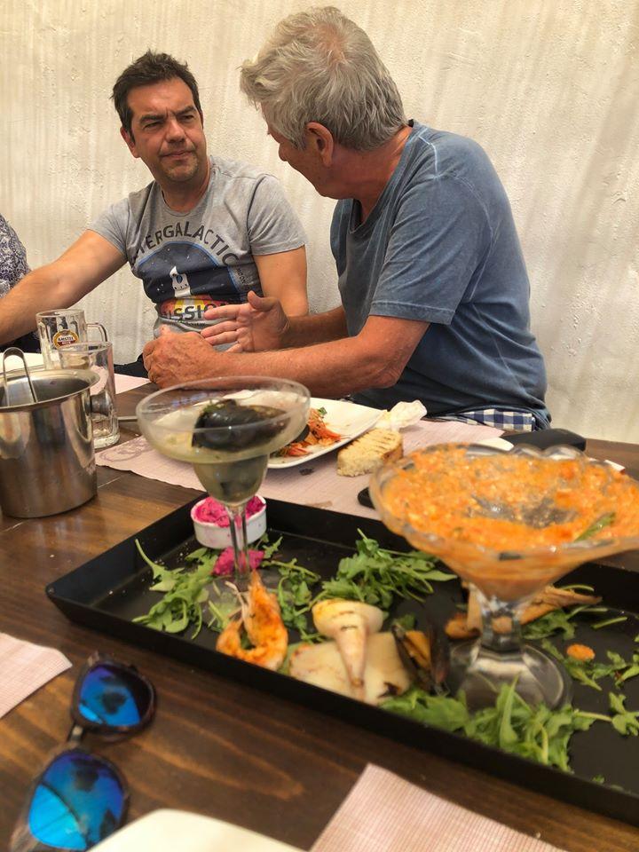 Με τον Αλέξη Τσίπρα στο Κουφονήσι ο Μάκης Μπαλαούρας