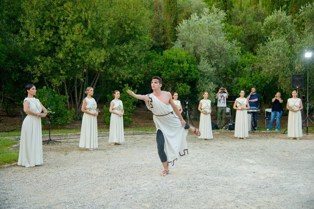 Προγράμματα φιλοξενίας ομογενών στο Δήμο Αρχαίας Ολυμπίας- Λαμπρή έναρξη, παρουσία του Υφυπουργού Εξωτερικών, Κ. Βλάση (photos)