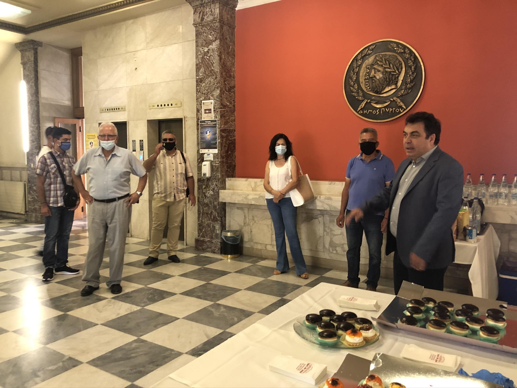 Δήμος Πύργου: Ευχές δημοτών για την ονομαστική εορτή δέχθηκε στο Λάτσειο Μέγαρο ο Δήμαρχος Τάκης Αντωνακόπουλος (photos)