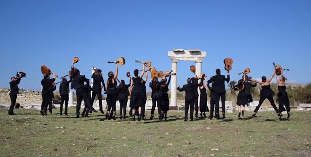 Διεθνές Φεστιβάλ Τεχνών Αρχαίας Ολυμπίας  Γιώτα Νέγκα: «Με τα μάτια κλειστά» την Κυριακή στο θέατρο Φλόκα -Συμμετέχει η Ορχήστρα Νυκτών Εγχόρδων Δήμου Πατρέων
