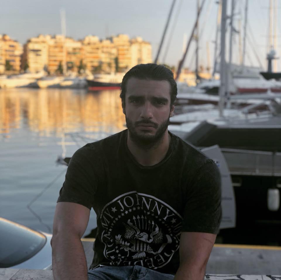 Ηλεία: Από τo Μαζαράκι Πηνείας τα δύο αδέρφια - αστυνομικοί, πρωταγωνιστές της ανείπωτης οικογενειακής τραγωδίας στο Πέραμα- Νεκρός ο 25χρονος Αγης Πετρόπουλος όταν εκπυρσοκρότησε το όπλο του αδερφού του (Photos)