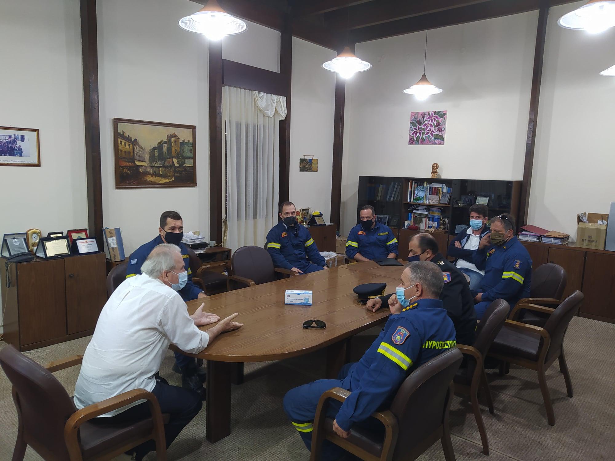 Δήμος Ανδρίτσαινας-Κρεστένων: Προς δημιουργία μόνιμου πυροσβεστικού κλιμακίου στην περιοχή Ανδρίτσαινας- Συνάντηση στελεχών της Πυροσβεστικής με το δήμαρχο Σ. Μπαλιούκο