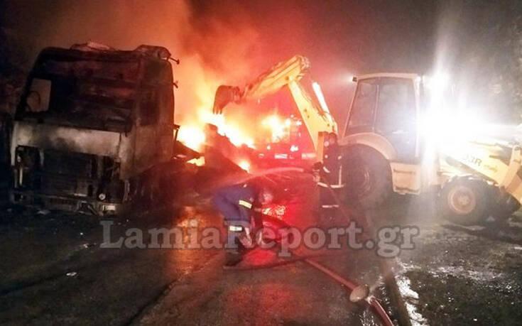 Νύχτα τρόμου στα Καμένα Βούρλα – Νταλίκα έγινε παρανάλωμα πυρός