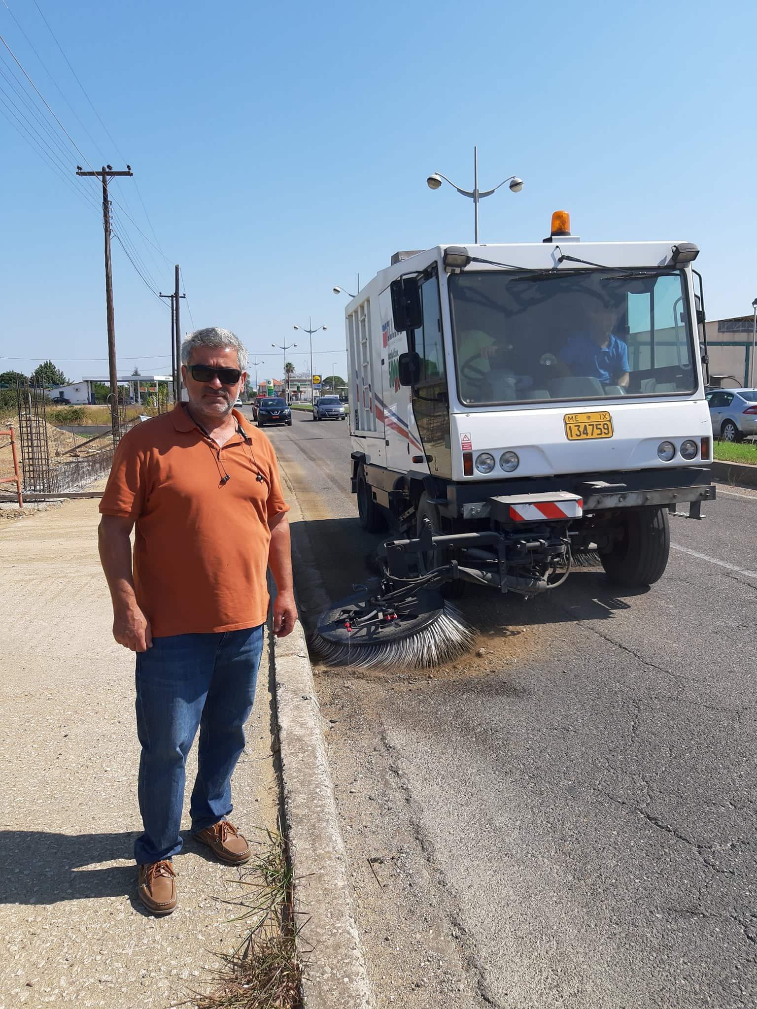 Δήμος Ήλιδας: Ομορφαίνει η είσοδος της Αμαλιάδας - Εργασίες από συνεργεία της Υπηρεσίας Καθαριότητας (photos)