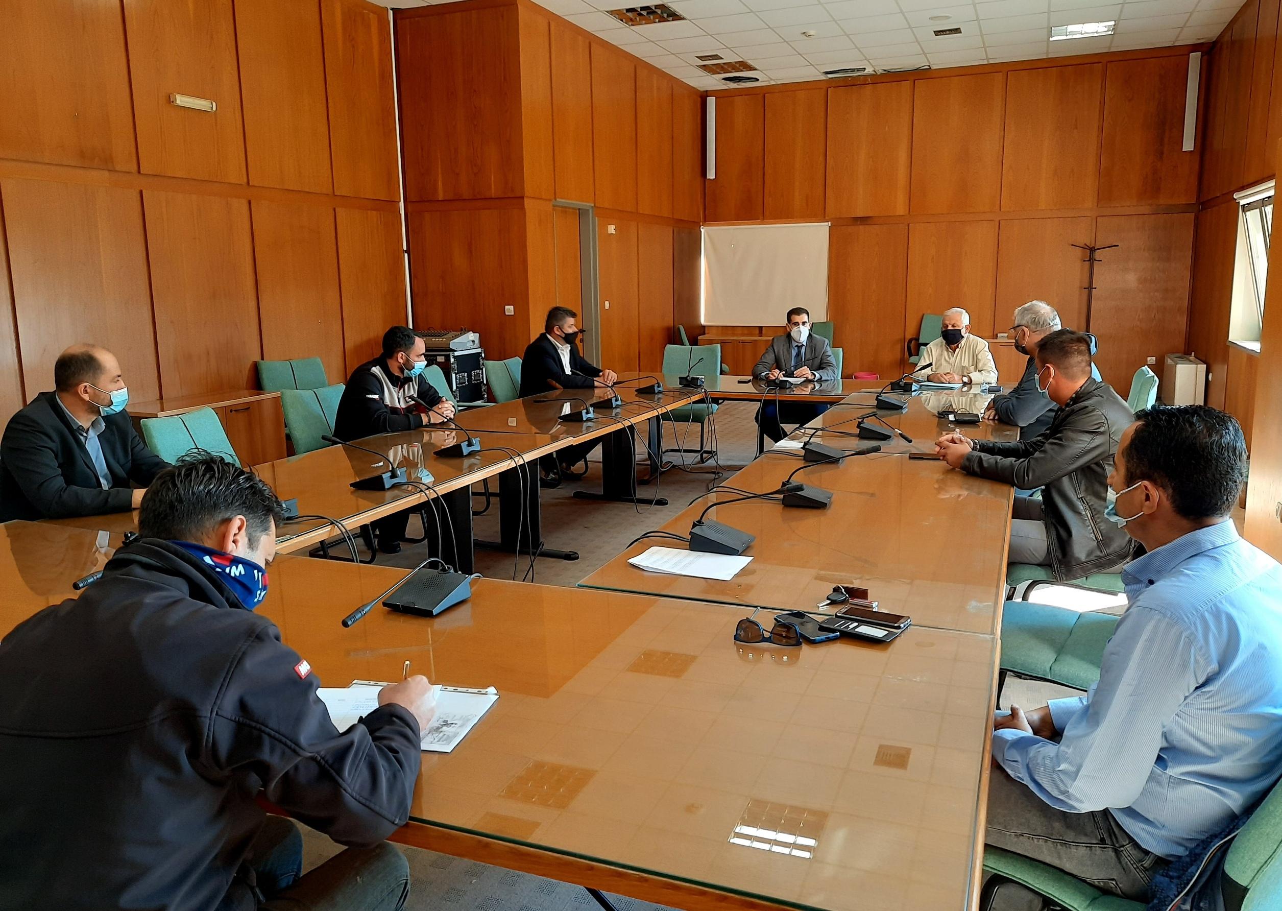 Πύργος: Συνάντηση Αντιπεριφερειάρχη Π.Ε Ηλείας Β. Γιαννόπουλου με επιχειρηματίες πώλησης οχημάτων