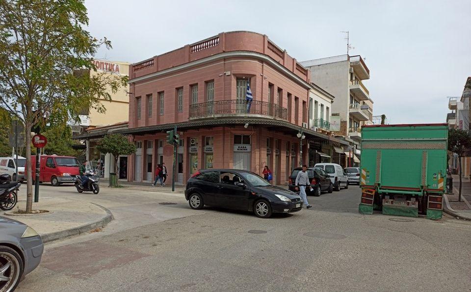 Δημήτρης Κωνσταντόπουλος: Η πόλη της Αμαλιάδας ασφυκτιά και η Δημ. Αρχή κλείνει το κέντρο…