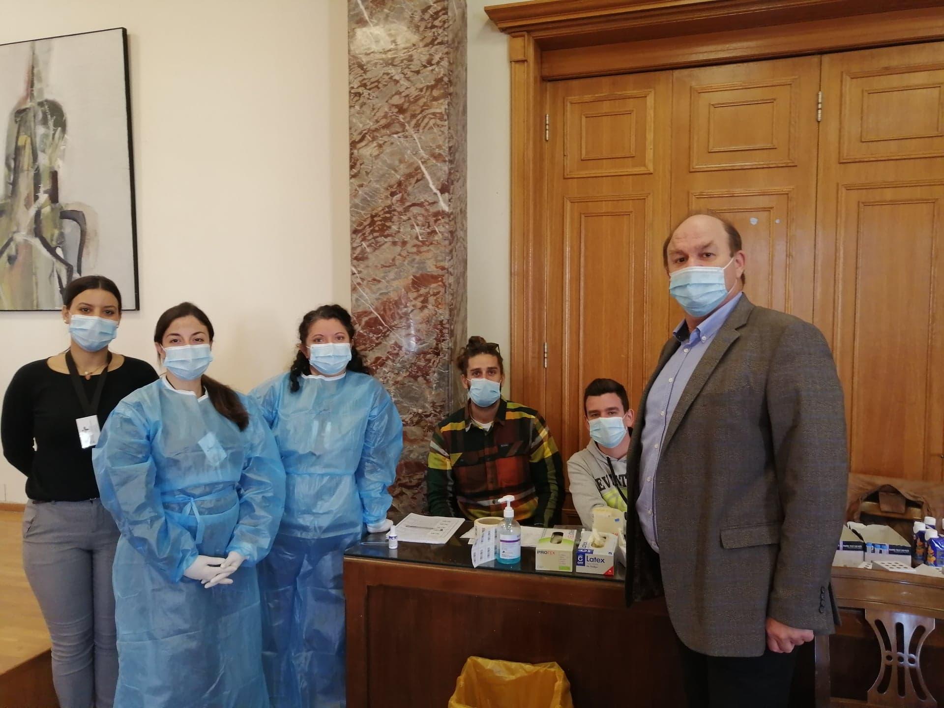 Δήμος Πύργου: Προληπτικοί έλεγχοι για κορωνοιό με Rapid tests από κλιμάκιο του ΕΟΔΥ στους υπαλλήλους του Δήμου (photos)