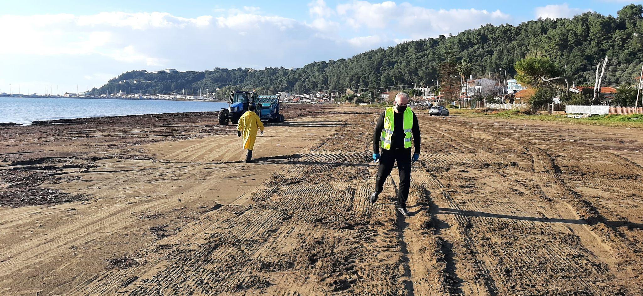 Δήμος Πύργου: Μικροί και μεγάλοι δημότες εθελοντές καθάρισαν από πλαστικά και άλλα φερτά υλικά την παραλία στο Κατάκολο - Συγκεντρώθηκαν πάνω από 150 σακούλες με πλαστικά απορρίμματα (photos)