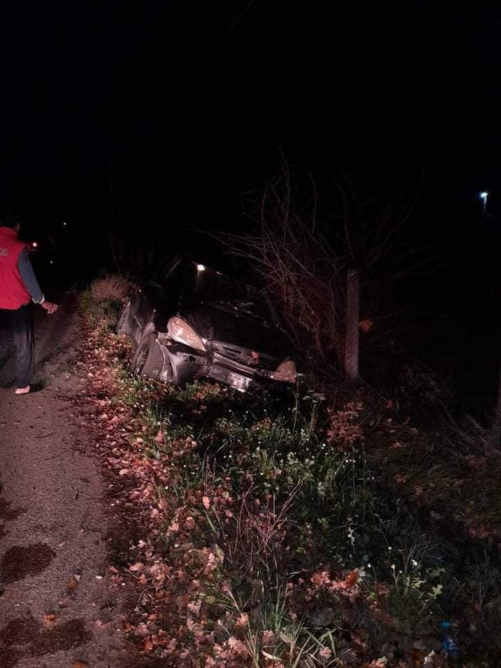 Ηλεία: Τροχαίο ατύχημα απόψε στην επαρχιακή οδό Μπορσίου- Αετορράχης, χωρίς τραυματίες σε εκτροπή ΙΧ αυτοκινήτου
