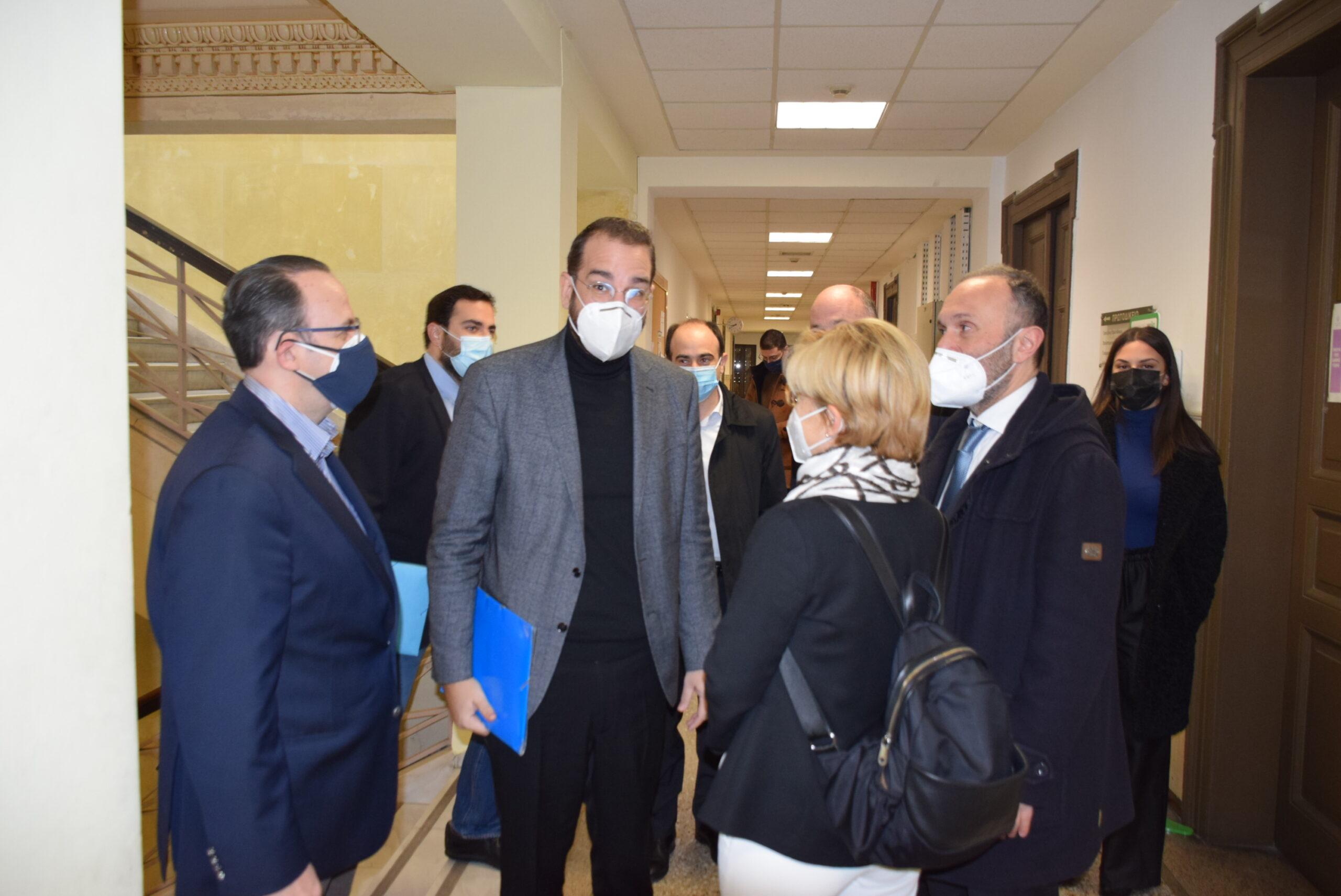 ΠΔΕ: Στη Δικαιοσύνη ο Ν. Φαρμάκης για να αποτυπωθεί η αλήθεια σχετικά με τη διαφάνεια και την αξιοκρατία του προγράμματος των 30 εκατ. ευρώ (photos- ΒΙΝΤΕΟ)