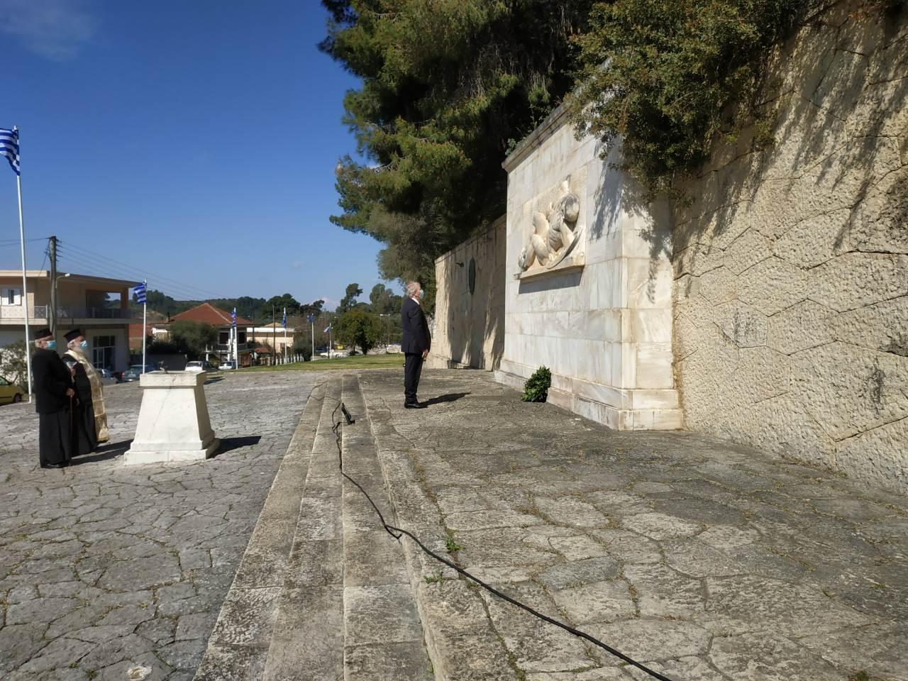 Δήμος Ανδρίτσαινας – Κρεστένων: Προσκύνημα και κατάθεση στεφάνων από τη Δημοτική Αρχή στο Μνημείο Ηρώων Κρεστένων- Με λαμπρότητα αλλά και μέτρα οι εκδηλώσεις για την 25η Μαρτίου (photos)