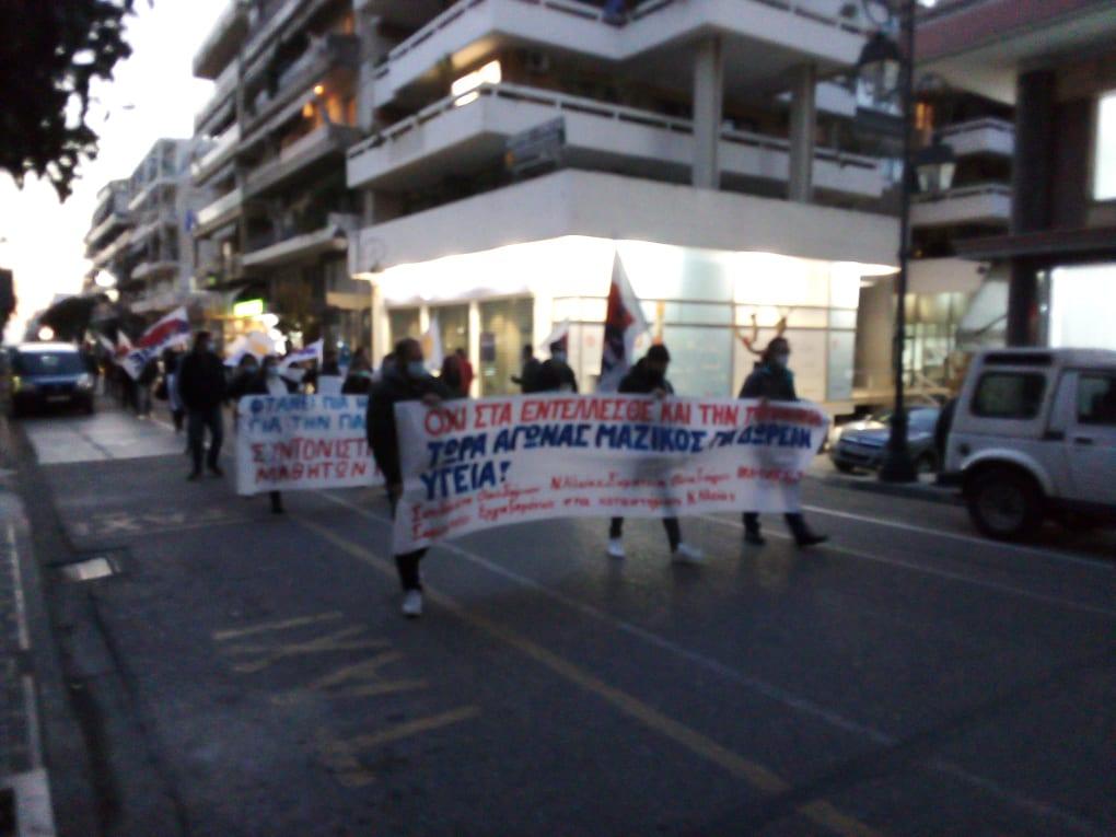 Πύργος: Με συμμετοχή η κινητοποίηση απόψε των εργατικών Σωματείων για τα δικαιώματα σε Υγεία, Δουλειά, Παιδεία, ενάντια στην καταστολή και τον αυταρχισμό (photos)
