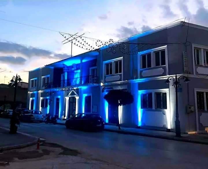 Δήμος Ανδραβίδας- Κυλλήνης: Στα γαλανόλευκα απόψε λόγω της 25ης Μαρτίου 1821 και το κτίριο του πρώην Δημαρχείου στη Βάρδα