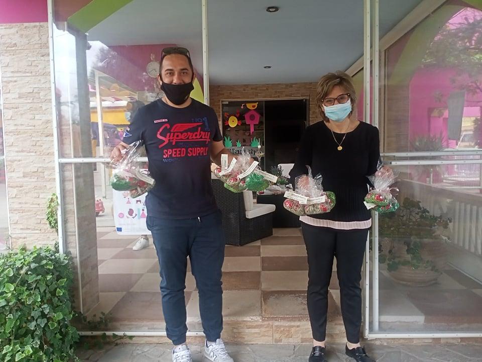 """Δήμος Πύργου: Προσφορά αγάπης από τον παιδικό σταθμό """"Μαριέττα"""" στο Γραφείο Εθελοντισμού"""