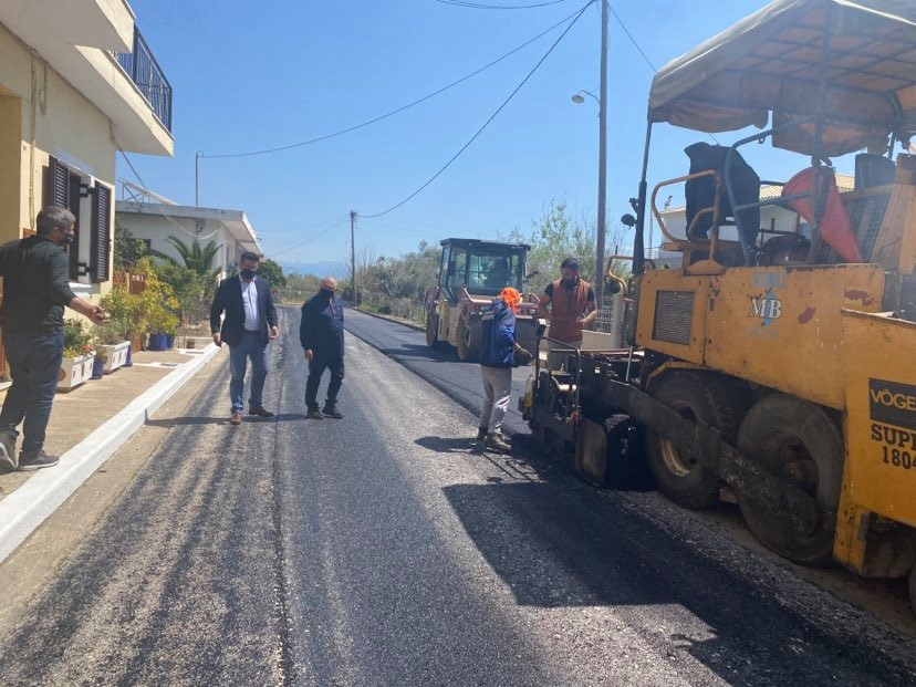 Επίσκεψη Δημάρχου Ανδραβίδας-Κυλλήνης στα έργα ασφαλτοστρώσεων στην Κοινότητα Ανδραβίδας (photos)