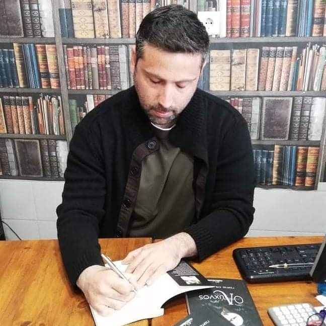 """Κυκλοφόρησε το μυθιστόρημα φαντασίας με τίτλο """"Ο Λύχνος"""" του Ρόδιου συγγραφέα Γιώργου Μανέττα"""